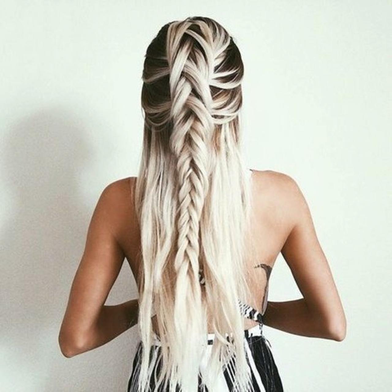 Tóc dài bện rết rất đặc sắc