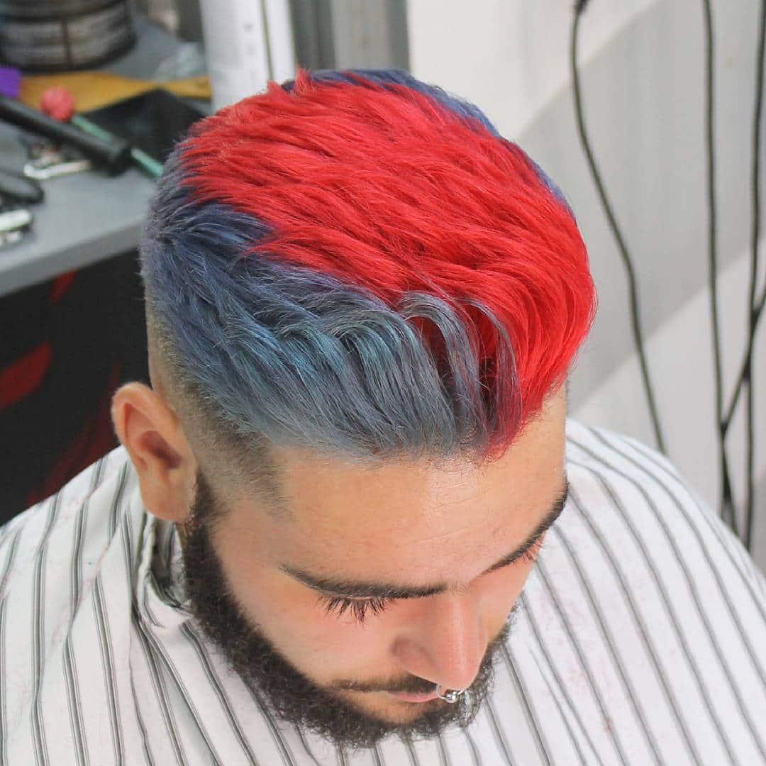 Tóc màu xám khói và vệt đỏ tươi