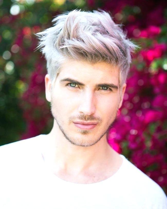 Tóc nam với màu bạc ánh hồng