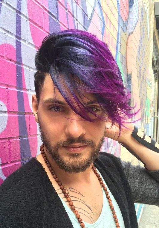 Tóc nhuộm kết hợp màu tím hồng với xám xanh rất đẹp mắt