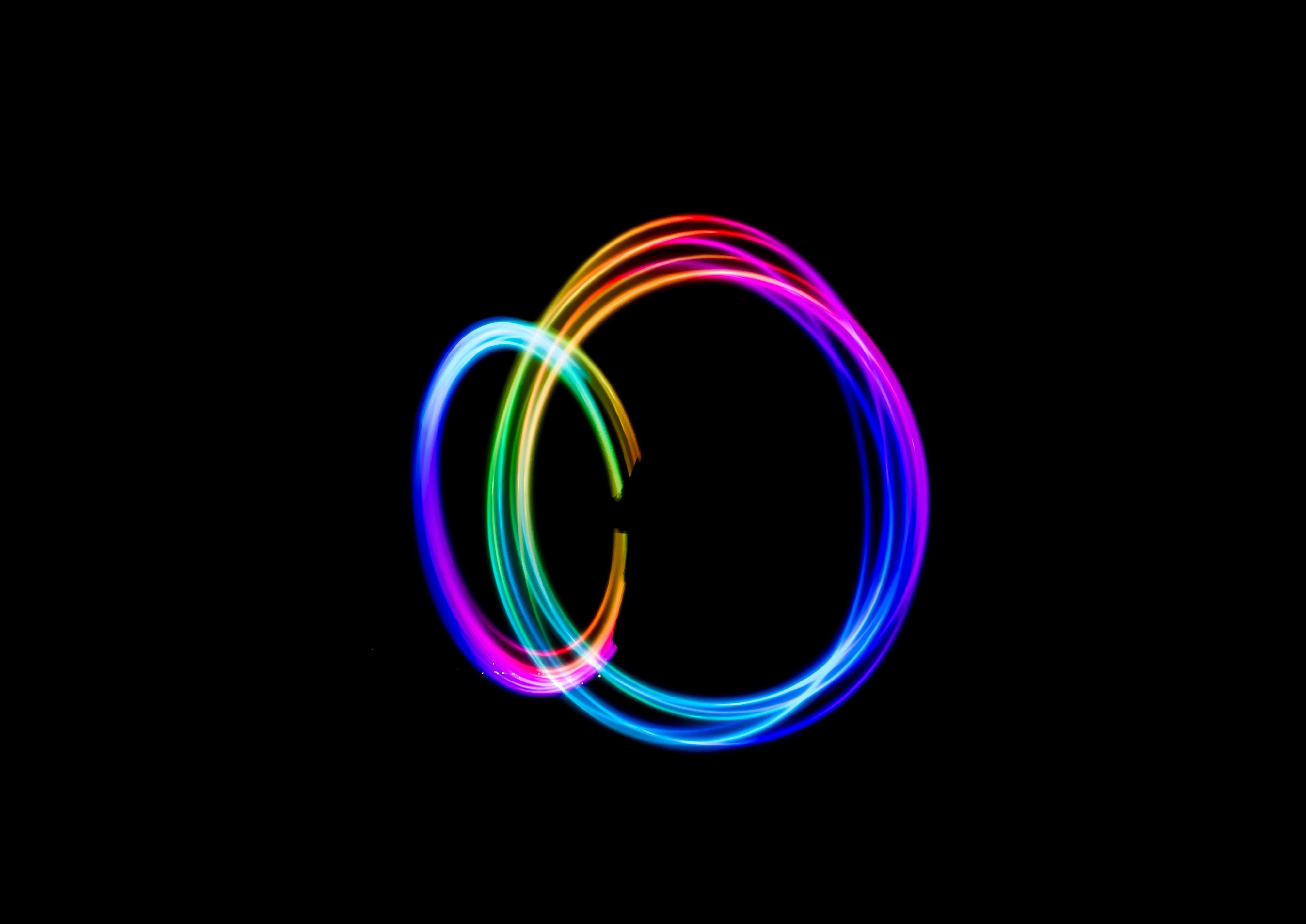 Bộ hình nền đen sắc màu cầu vồng