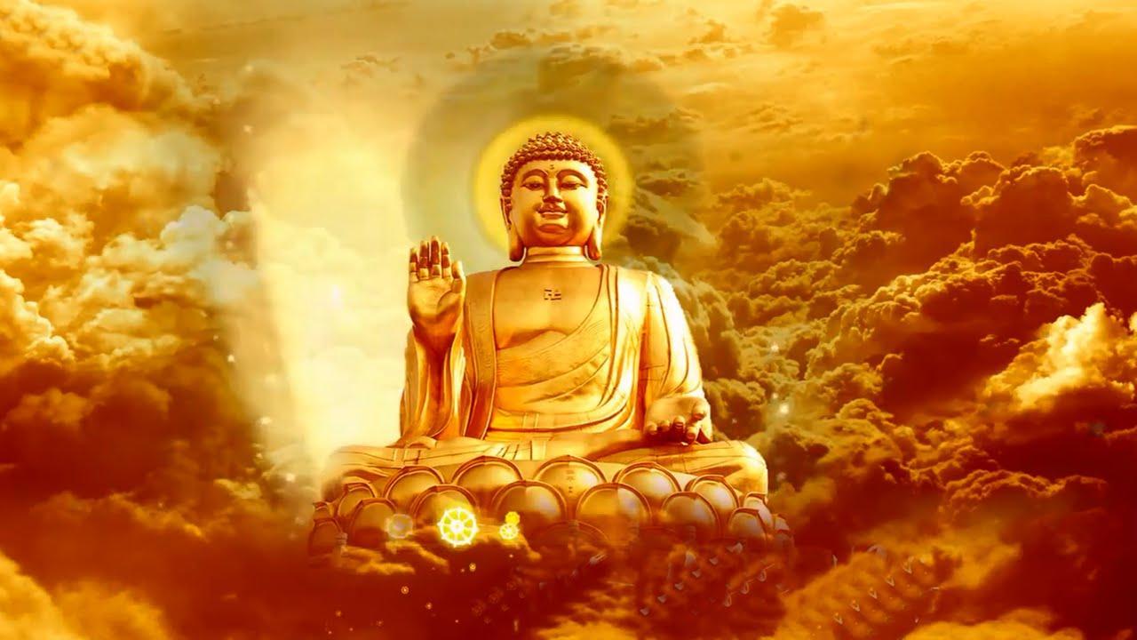 Hình ảnh Đức Phật ngự trên 9 tầng mây vàng