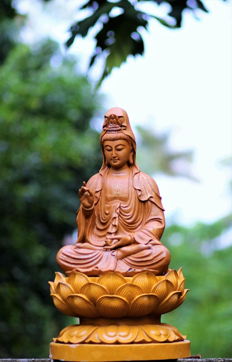 Hình ảnh Phật Bà Quan Âm ngồi trên đài sen