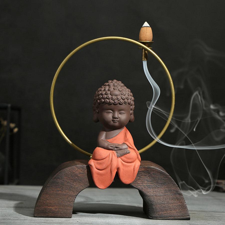 Hình ảnh Phật với khói trầm hương