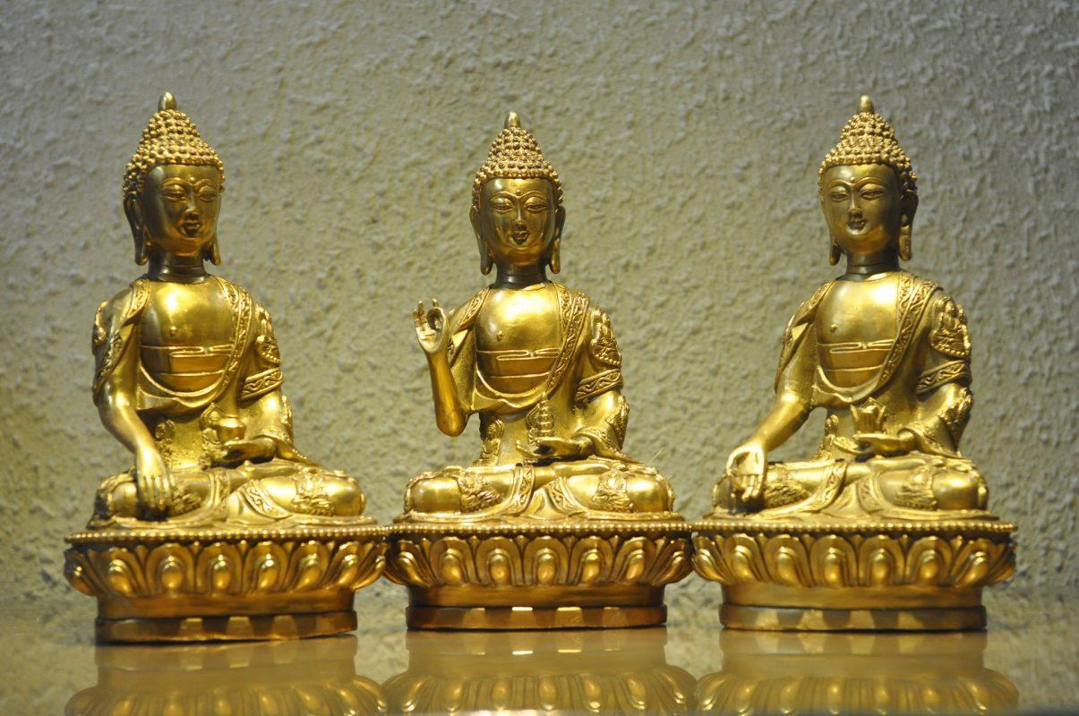 Hình ảnh tượng Tam Thế Phật rất đẹp