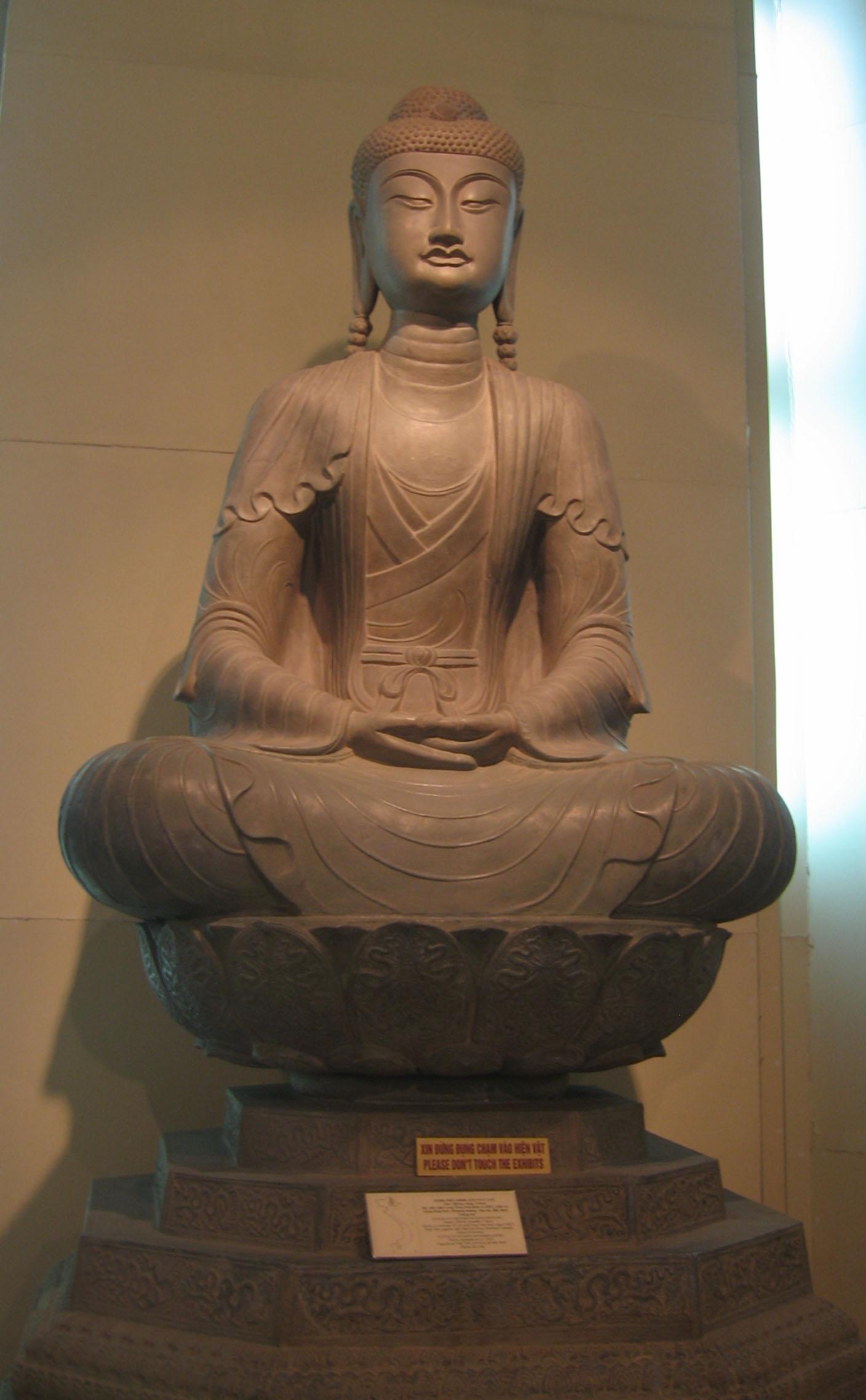 Tượng Phật thật đẹp ở Chùa Phật Tích