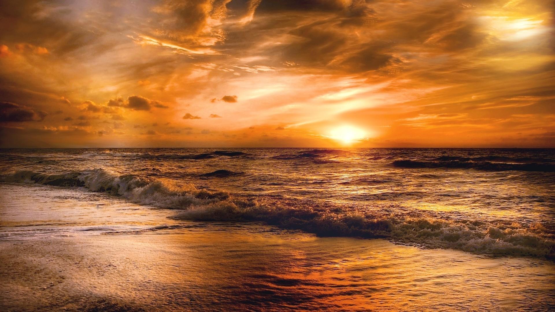 Ảnh nền thiên nhiên bờ biển sóng vỗ