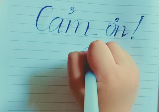 Hình ảnh cảm ơn viết tay của bé