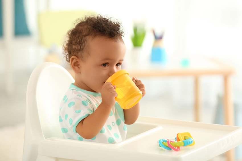 Hình ảnh đẹp và dễ thương của em bé