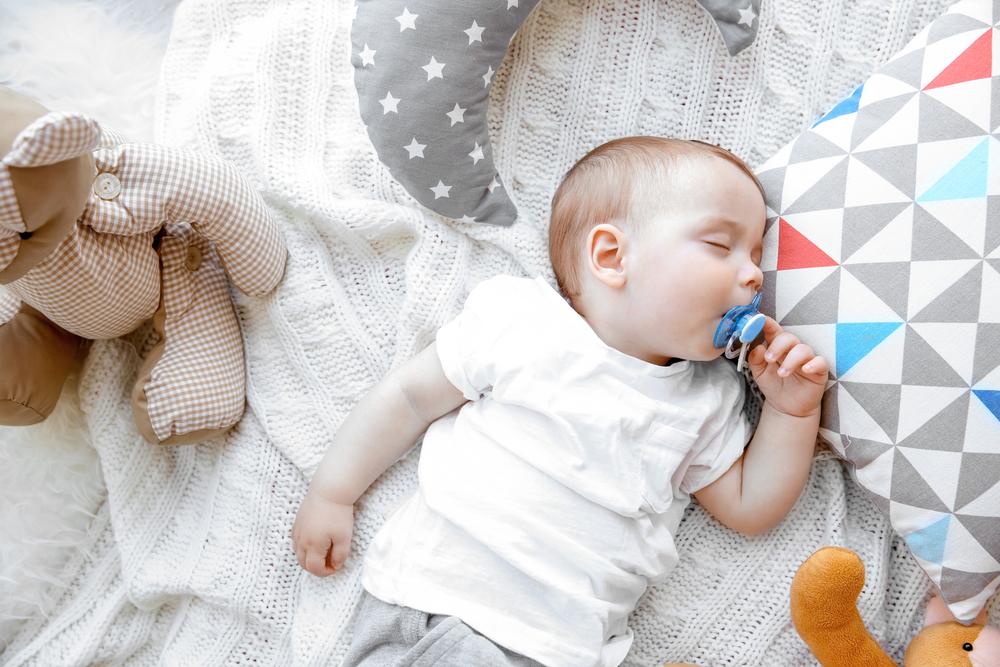Hình ảnh em bé đang ngủ đáng yêu