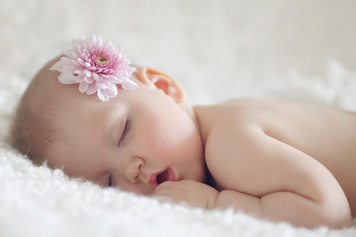 Hình ảnh em bé đang ngủ dễ thương nhất