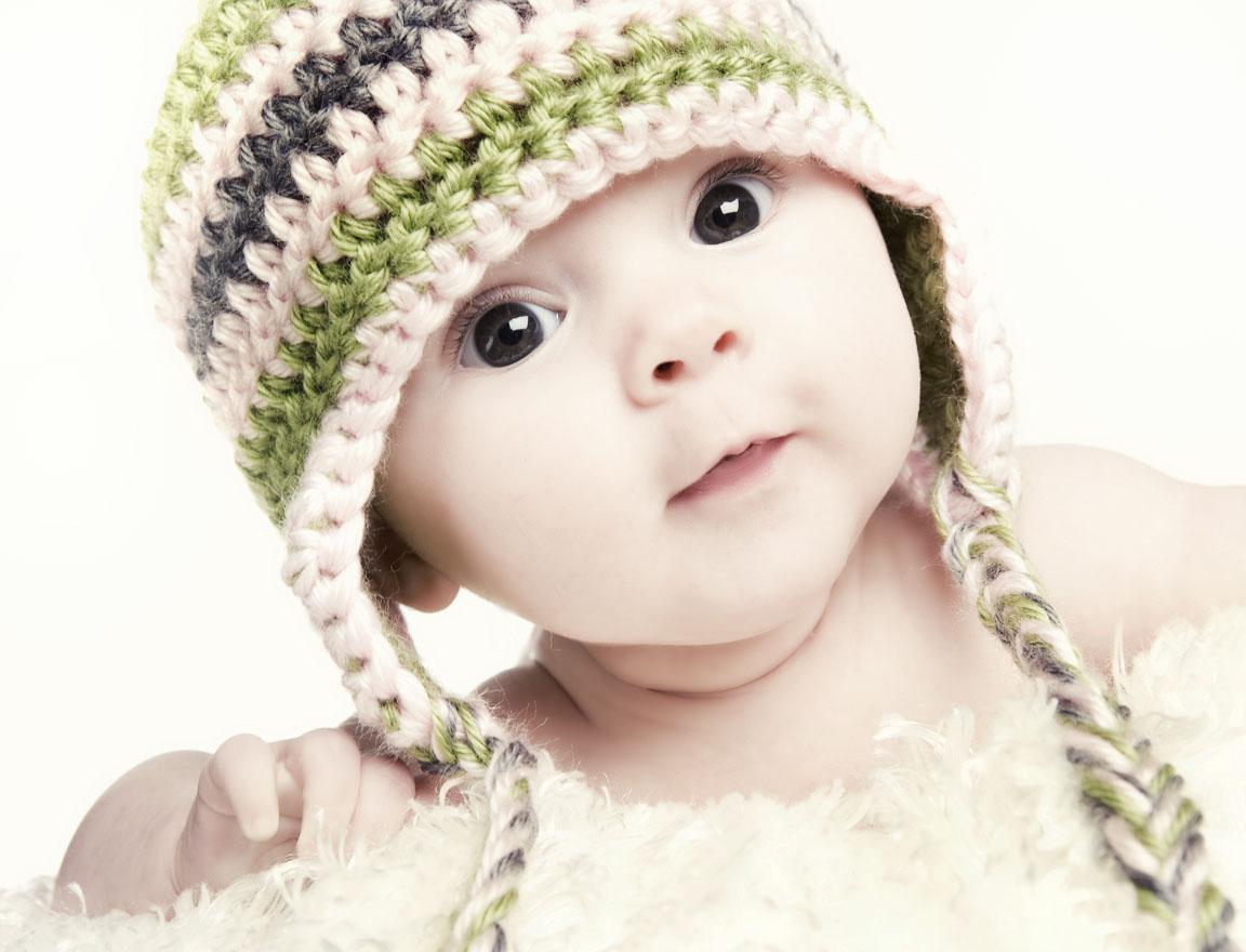 Hình ảnh em bé ngộ nghĩnh đáng yêu