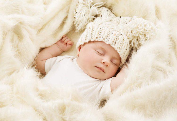 Hình ảnh em bé siêu dễ thương