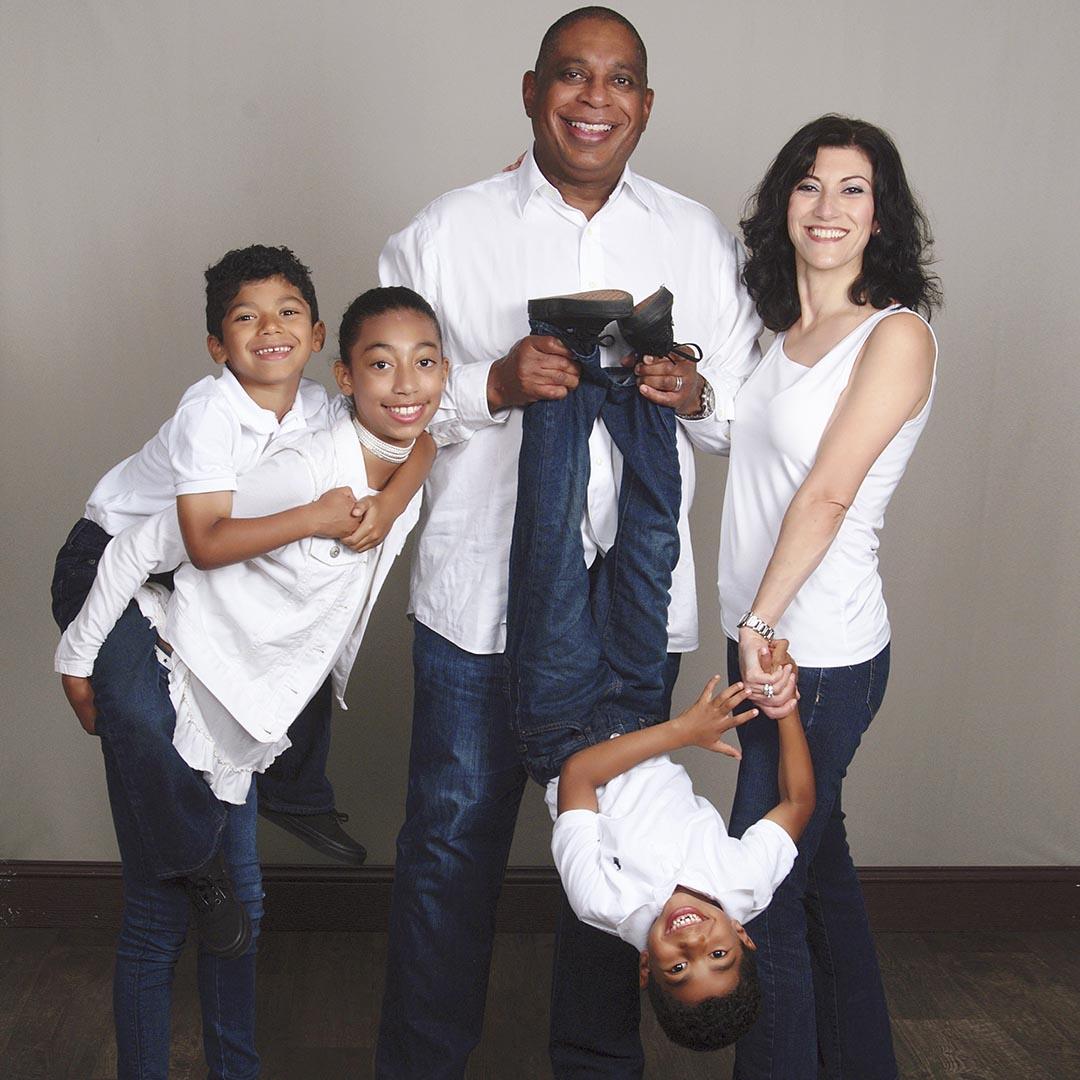 Ảnh chụp gia đình bên nhau hạnh phúc