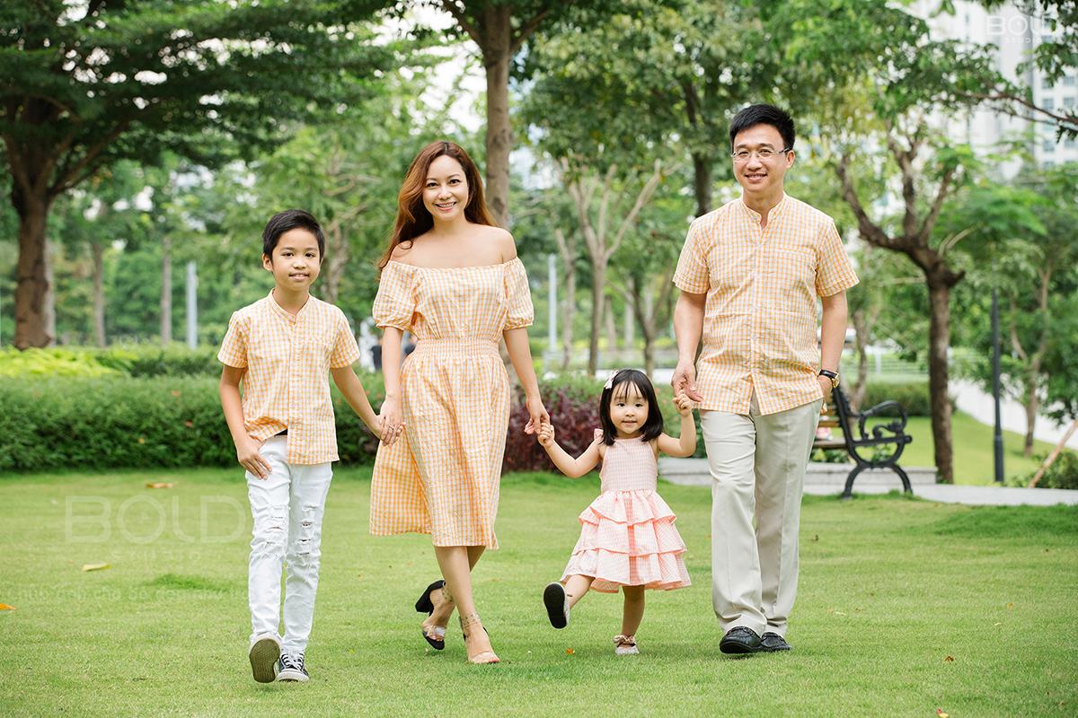 Ảnh chụp gia đình hạnh phúc tại Thành phố Hồ Chí Minh