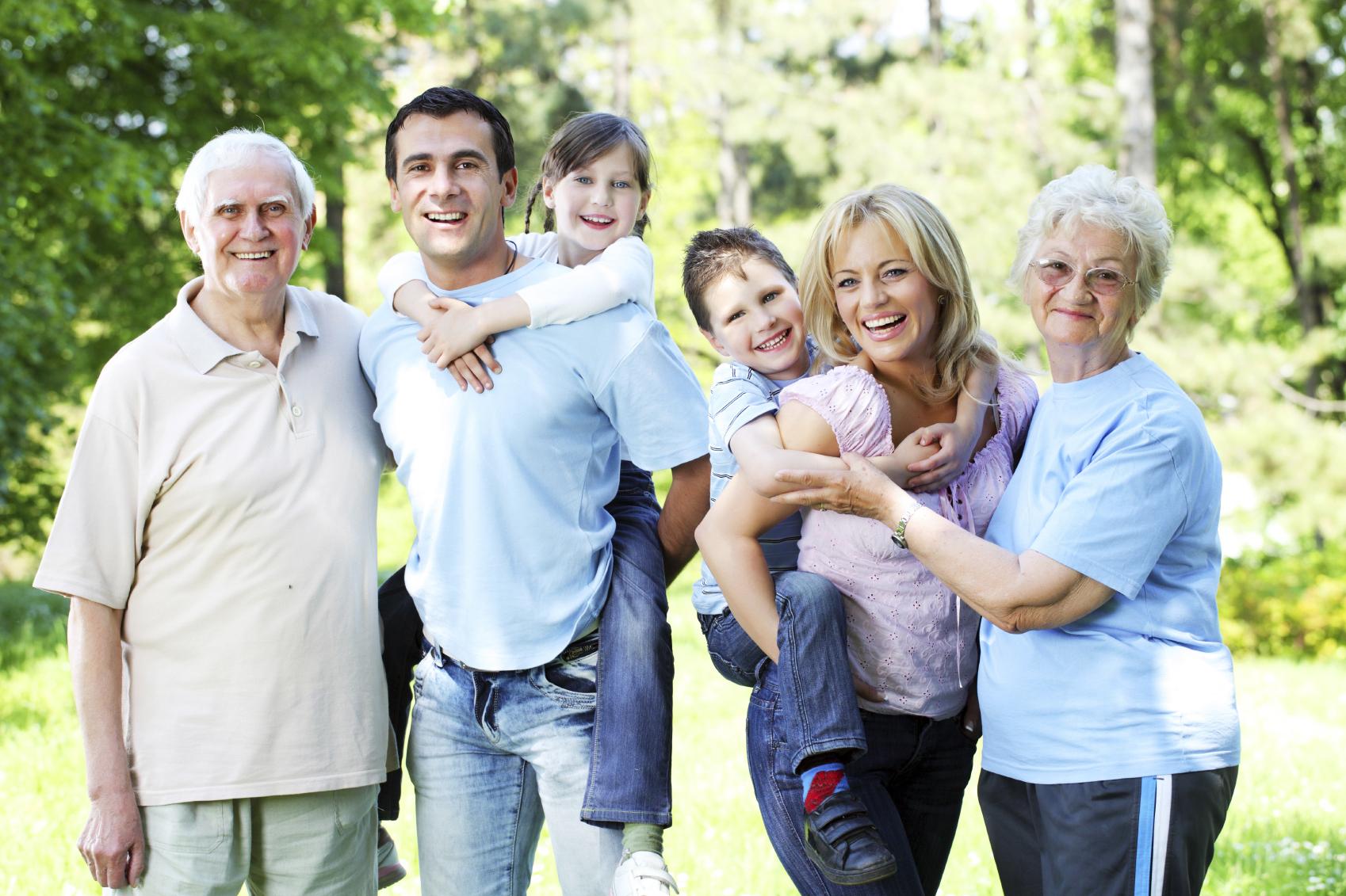 Ảnh chụp gia đình qua ba thế hệ