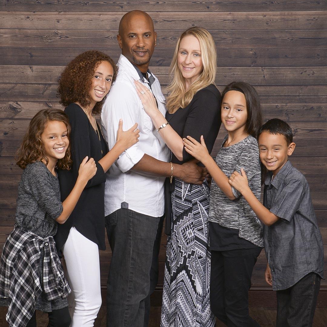 Ảnh gia đình bên nhau hạnh phúc