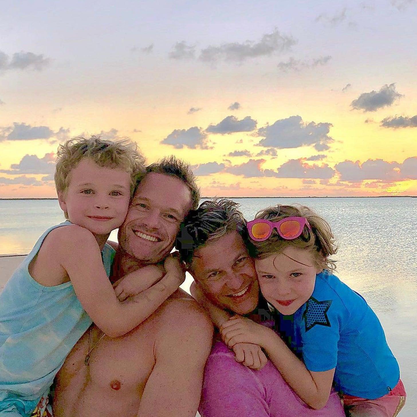 Ảnh gia đình dễ thương hạnh phúc