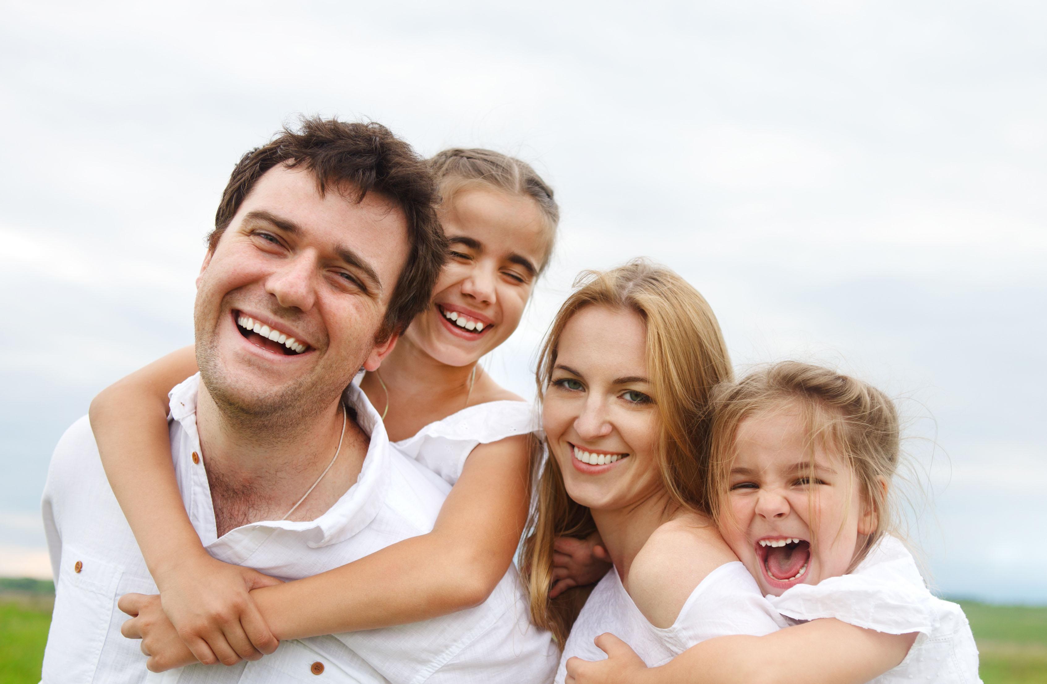 Ảnh gia đình hạnh phúc đầm ấm