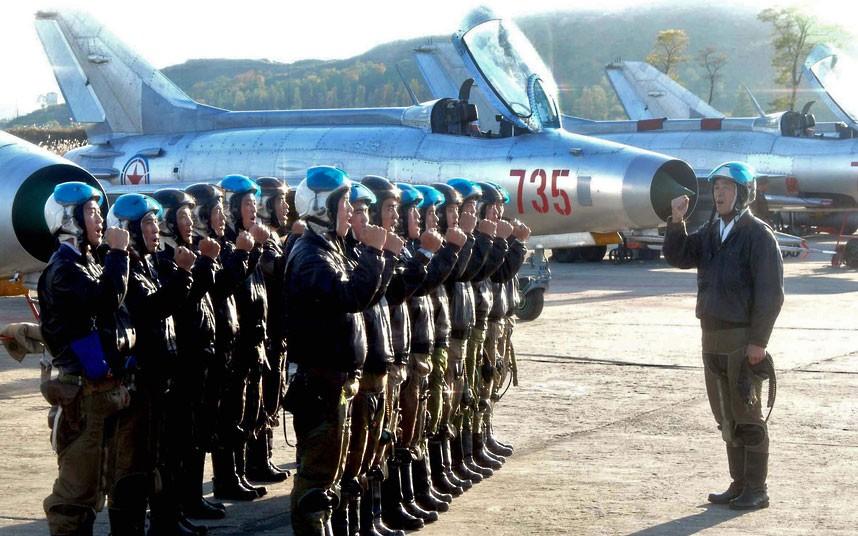 Hình ảnh các chú bộ đội không quân
