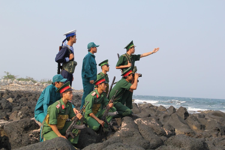 Hình ảnh chú bộ đội hải quân
